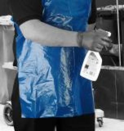 A1BR_Apron_Blue_Action_Janitoriai_Portrait_1.jpg