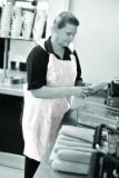 BTB019_BTB_Premium_Aprons_White_Action_Food_Portrait_1.jpg