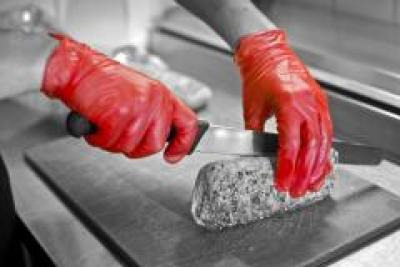 GD17__Red__GD17_Red_Vinyl_Powdered_Gloves_Action_Food_Landscape_1.jpg