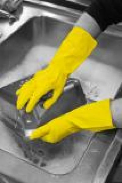 GR01_Household_Gloves_Yellow_Action_Industrial_Landscape_2016_1.jpg