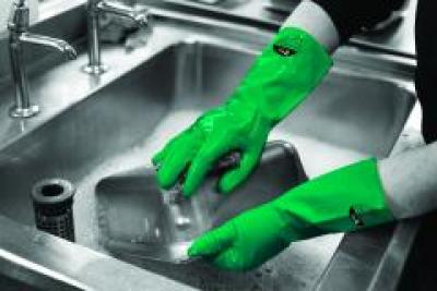 GR03_Household_Gloves_Green_Action_Industrial_Landscape_2016_1.jpg